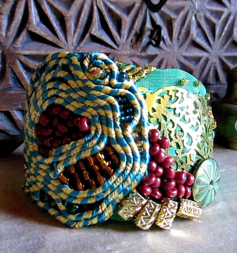 Cuff Bracelet Orientals... Hand of Fatima